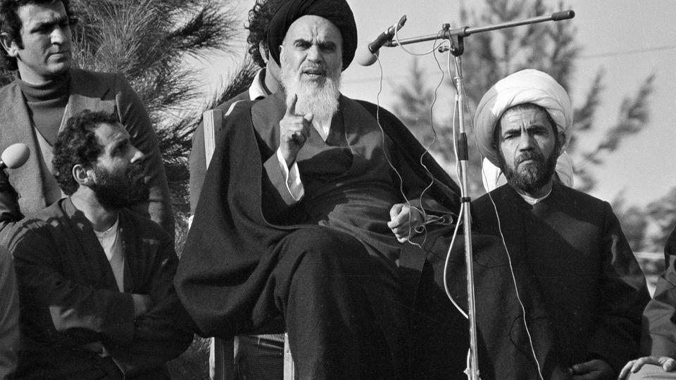 Ayatollah Ruhollah Chomeini