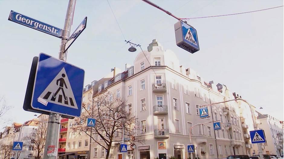 Zebrastreifen-Wahnsinn in München: An dieser Kreuzung stehen 32 Schilder