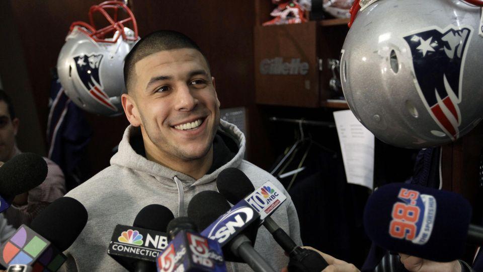 Aaron Hernandez bei einem Interview 2012