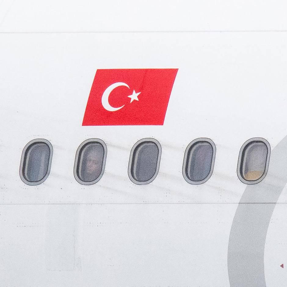 News von heute: Türkei schiebt erneut Ex-IS-Anhängerin mit ihren Kindern nach Deutschland ab