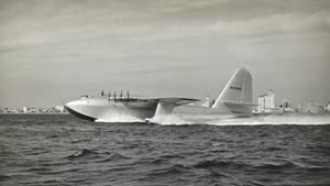 H4 Spruce Goose beim Beschleunigen
