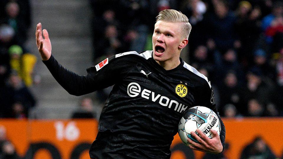 Der neue Shootingstar des BVB Erling Haaland führte gegen Augsburg eine Tradition fort