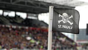 St Pauli Logo auf Eckfahne