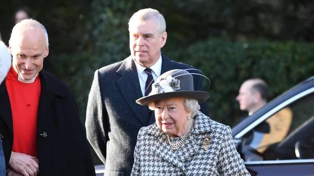 Prinz Andrew und Queen Elizabeth II.