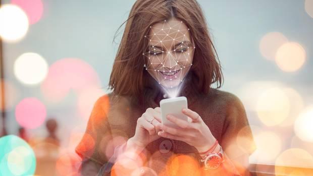 Die Firma Clearview bietet einen neuen Dienst mit Gesichtserkennungs-Technologie (Symbolbild)