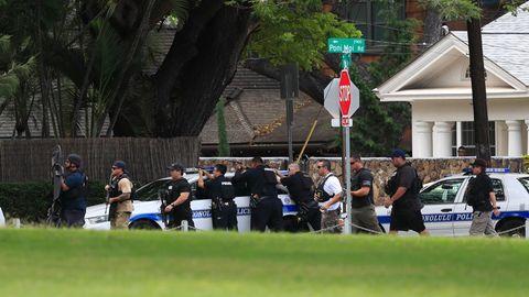 Polizisten sind bei einem bewaffneten Zwischenfall im Einsatz