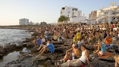 Am Café del Mar auf Ibiza