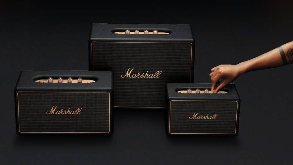 Marshall-Lautsprecher  Vom Gitarrenverstärker zum Kopfhörer, Smartphone und Bluetooth-Lautsprecher: Marshall war in den vergangenen Jahren ziemlich umtriebig. Nun hat das Unternehmen drei verschiedene, Multiroom-fähige Lautsprecher vorgestellt: Das Design lehnt sich stark an die klassischen Verstärker an, die Preise liegen mit 350, 350 und 600 Euro im gehobenen Mittelfeld. Technisch sind sie nicht wählerisch: Musik kommt direkt per eingebautem Chromecast, Spotify Connect, AirPlay oder Bluetooth auf den Lautsprecher. Alternativ gibt es auch einen RCA-Eingang für Plattenspieler und eine 3,5-Millimeter-Audiobuchse. Sieben Voreinstellungen (etwa der Lieblings-Internetradiosender) können über einen Tastendruck aktiviert werden