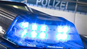 Nachrichten aus Deutschland: Blaulicht auf dem Dach eines Streifenwagens
