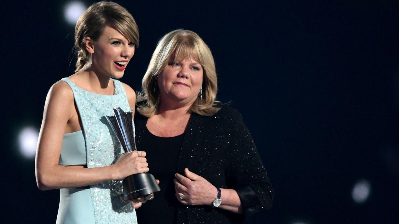 Taylor Swift und ihre Mutter Andrea