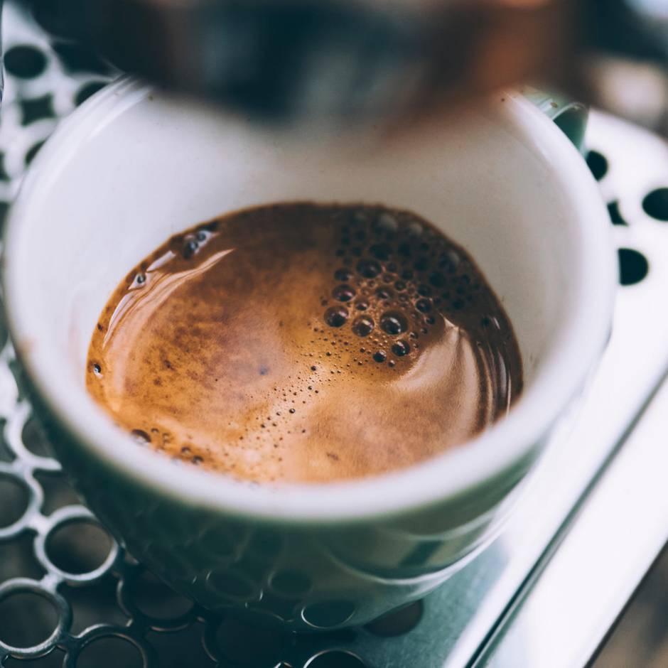 Industrie spart damit Geld: Wissenschaftler haben eine Formel für den perfekten Espresso gefunden - Italiener wollen davon nichts wissen