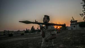 Libyen, Tripolis: Ein bewaffneter Kämpfer der international anerkannten Regierung