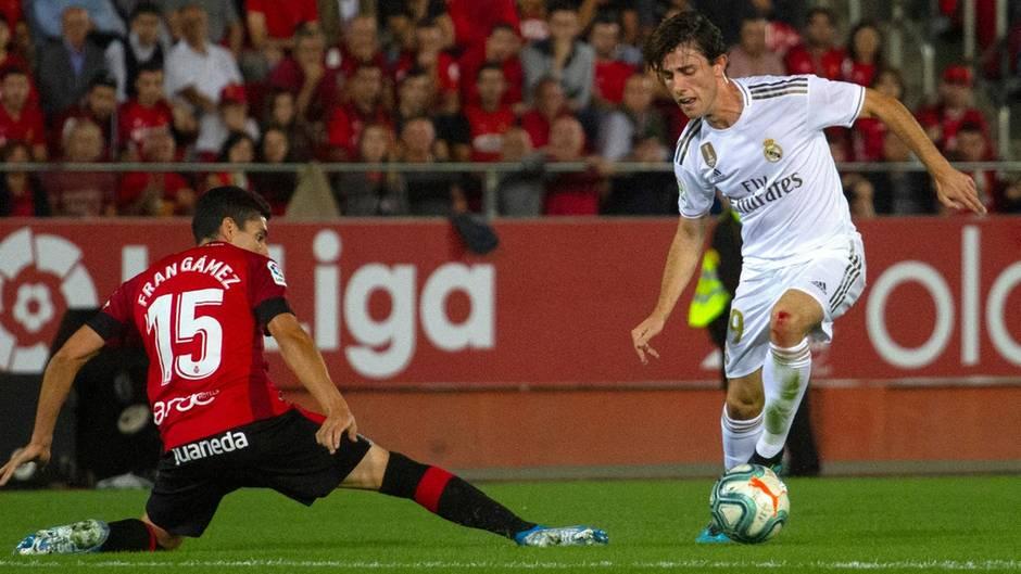 Alvaro Odriozola während eines Liga-Spiel RCD Mallorca