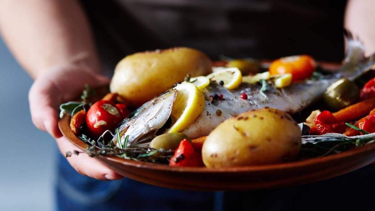 fischratgeber-der-verbraucherzentrale-nachhaltig-essen-welcher-fisch-darf-noch-auf-den-tisch