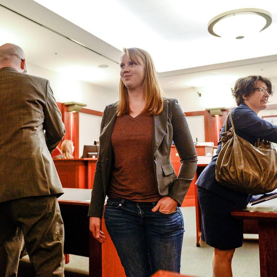 Utah: Weil ihre Stiefkinder ihre Brüste sahen: Frau droht ein Jahr Gefängnis