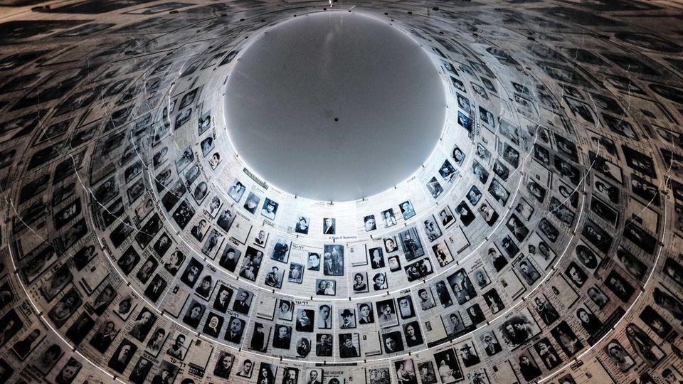 Yad Vashem - Blick in die Halle der Namen