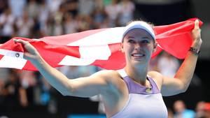 Sport kompakt: Mit einer dänische Flagge läuft Caroline Wozniacki in Melbourne eine Ehrenrunde