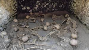 Ausgrabungsstätte inHerculaneum:Die Skelette der vomVesuv-Ausbruch überraschtenBewohner sind erstaunlich gut erhalten