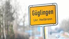 Das Ortsschild von Güglingen in Baden-Württemberg. Ein 15-Jähriger ist hier in der Nacht zum Samstag getötet worden.