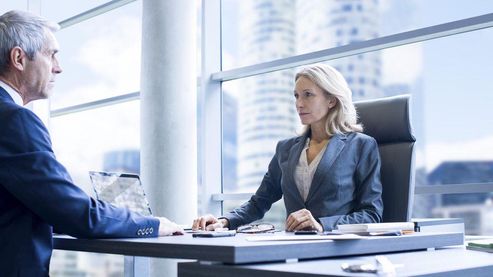 Arbeitswelt: Ansprüche an Chefs: Wünsche und Wirklichkeit gehen weit auseinander