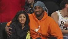 """Gianna """"Gigi"""" Bryant und ihr Vater Kobe Bryant bei einem Basketball-Spiel"""