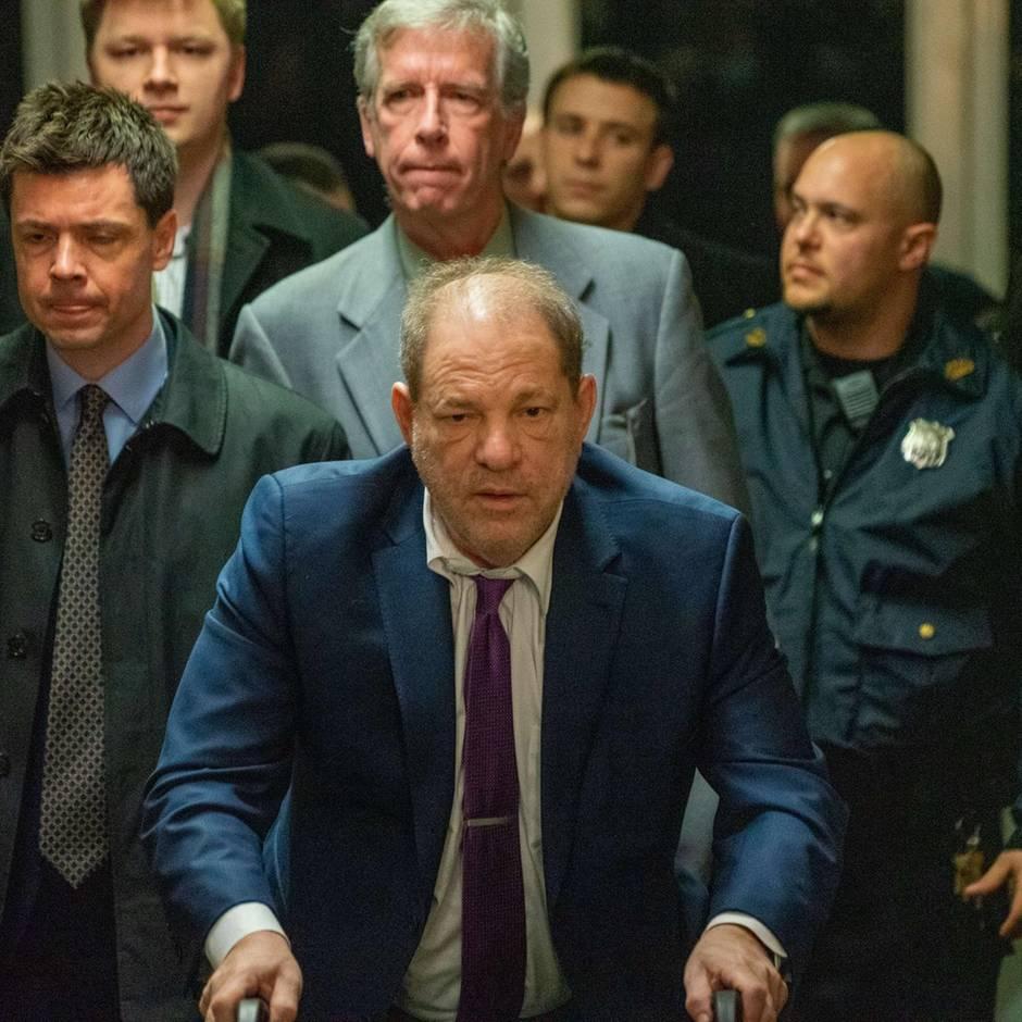 Anklage wegen Vergewaltigung: Harvey Weinstein: Diese Aussage könnte dem Filmmogul gefährlich werden