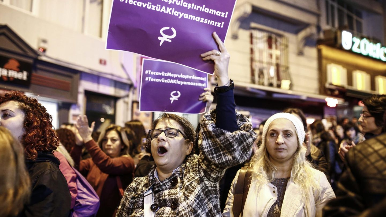 Türkei: Frauen protestieren gegen Gesetz