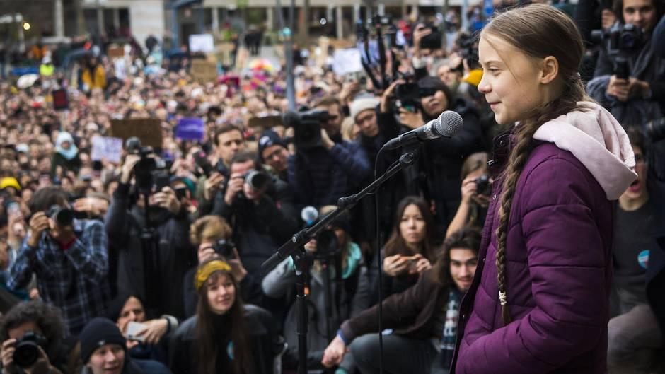 """Schweiz, Lausanne: Greta Thunberg spricht bei einer """"Fridays for Future""""-Demonstration"""