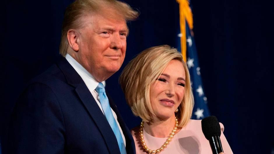 US-Präsident Trump und seine spirituelle und präsidentielle Beraterin Paula White
