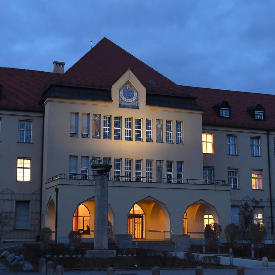 Virus breitet sich aus: Vier Corona-Fälle in Bayern: Alle arbeiten bei Webasto, Autozulieferer schließt Werk