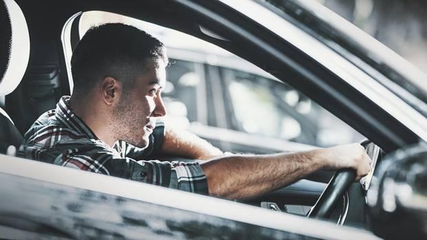Auto: Experte fordert PS-Grenze und längere Probezeit für Fahranfänger