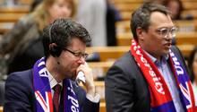 Bei der Ratifizierung des Brexit-Vertrags kommen britischen EU-Abgeordneten die Tränen