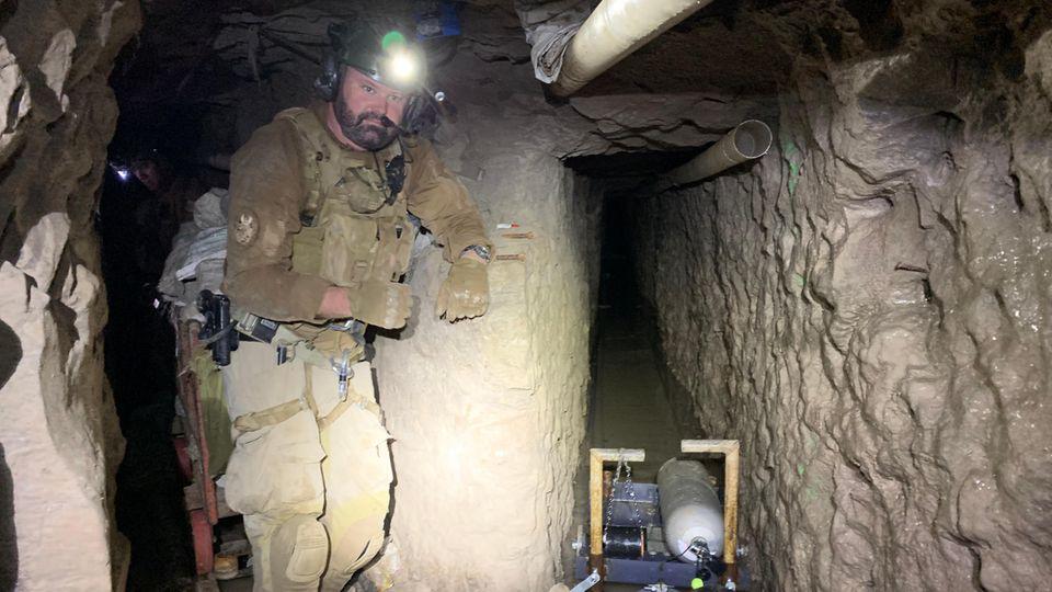 Derbisher längstebekannteillegaleTunnel aus Mexiko in die USA.Der Tunnel beginntin einer Industriezone der mexikanischen Grenzstadt Tijuana und verläuftüber eine Länge von gut 4300 Fuß (rund 1,3 Kilometer) in die USA