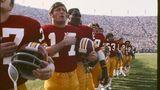 Spieler der Washington Redskins singen die Nationalhymne