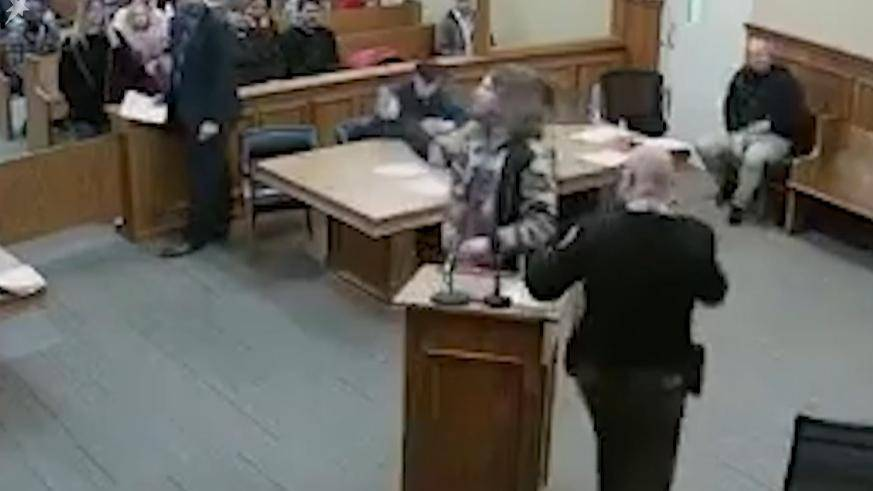 Der Verdächtige im Gerichtssaal