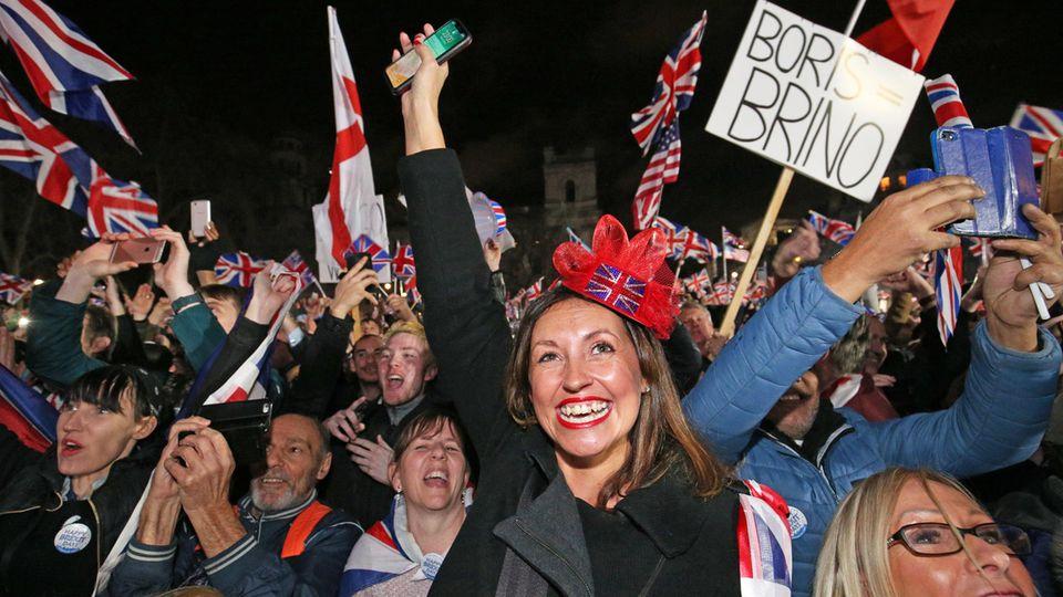 Die Brexiter feiern — die EU-Anhänger trauern