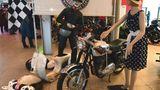 Der British Bike Club zeigt eine BSA DBD 34 - 500 ccm , 42 PS. Es handelt sich um ein Viertakt-Einzylindermotorrad, das von BSA in Birmingham bis 1963 gebaut wurde.