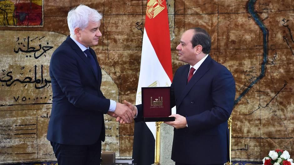Hans-Joachim Frey, künstlerischer Leiter des Semperopernballes, und der ägyptische Präsident Abdel Fattah Al-Sisi