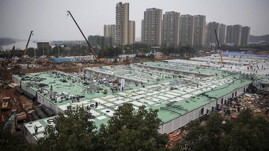 Coronavirus: China – Neues Krankenhaus nach 8 Tagen Bauzeit fertig