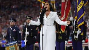 Demi Lovato singt Nationalhymne beim Super Bowl