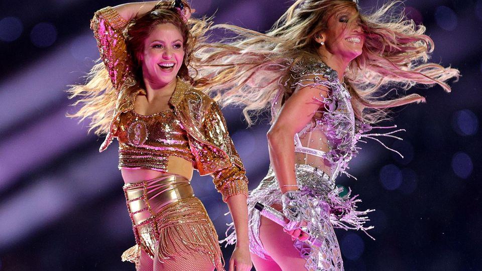 Shakira und Jennifer Lopez während der Halbzeitshow des Super Bowls
