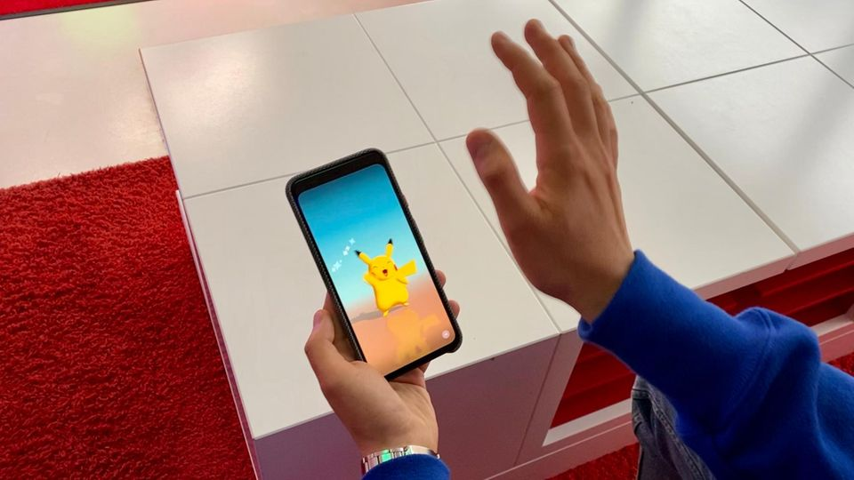 Winkt man Pikachu auf dem Pixel 4, kann der dank Soli zurückwinken