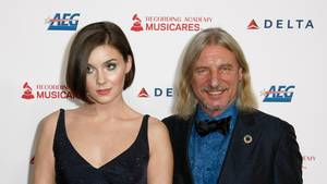 """Frank Otto und seine Freundin Nathalie Volk kommen zu der Gala """"MusiCares Person of the Year"""" in Los Angeles"""