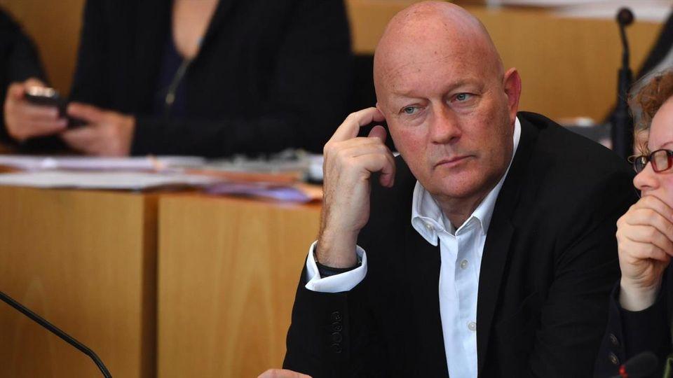 Sensation in Thüringen: FDP-Kandidat Kemmerich wird Ministerpräsident