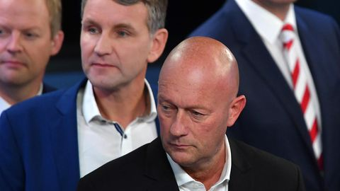 Thomas Kemmerich (r.) und Björn Höcke nachder Landtagswahl Ende Oktober in einem Wahlstudio des ZDF in Erfurt