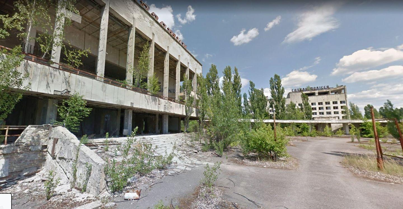 15 Jahre: Einst lebten hier Tausende Menschen Mit der Katastrophe von Tschernobyl wurde das nahegelegene Prypjat zur nuklearen Geisterstadt. In den letzten Jahren wird es zur Touristen-Attraktion. Wer es gerne ohne den ständigen Blick auf den Geigerzähler erkunden will, kann das bei Maps tun.