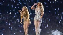 Shakira und Jennifer Lopez  bei ihrer Halbzeitshow in Miami