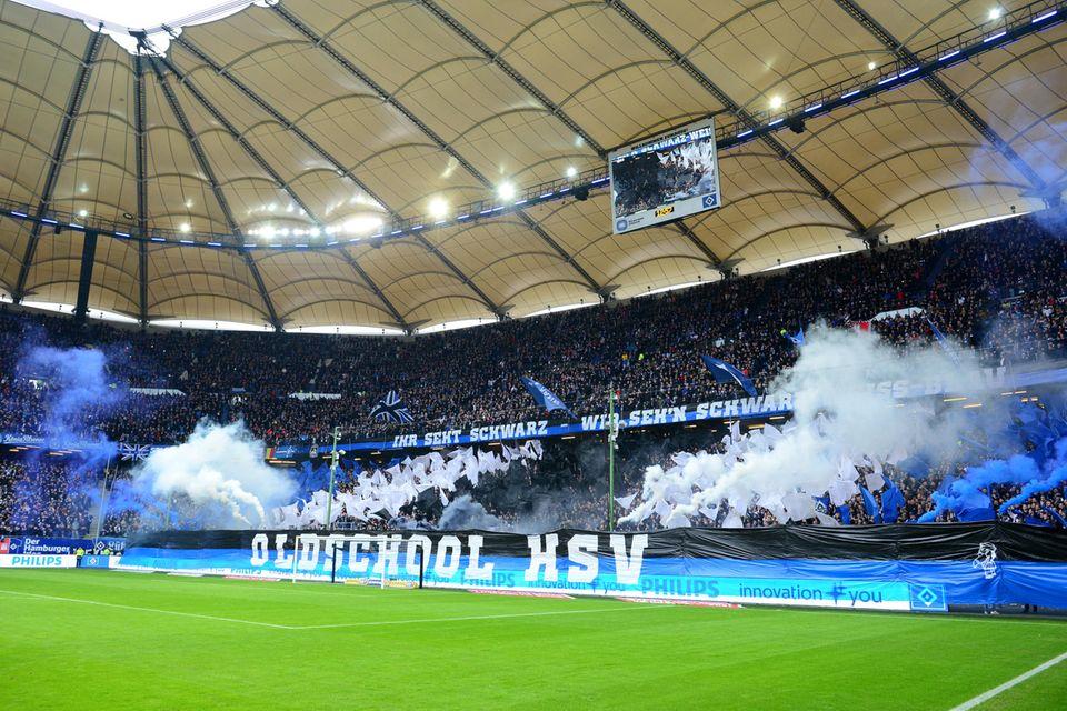 Bundesliga im stern-Check: Schalker und Berliner Fans machen das einzig Richtige – und in Hamburg brennt es, ganz legal