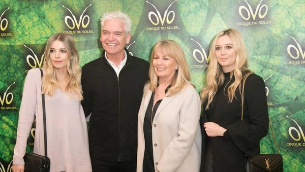 Phillip Schofield mit seiner Frau Stephanie und den Töchtern Ruby und Molly