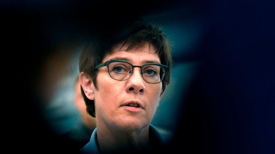Annegret Kramp-Karrenbauer im Fokus